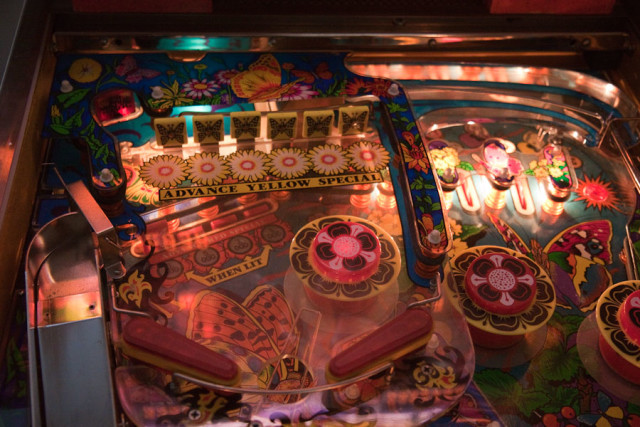 Upper playfield of Farfalla. Note again the wire ramp that lowers the ball to the main playfield without dropping it.